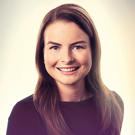 Angela van Geerenstein trabaja como asistente notarial en el departamento de Derecho de Familia y Sucesiones