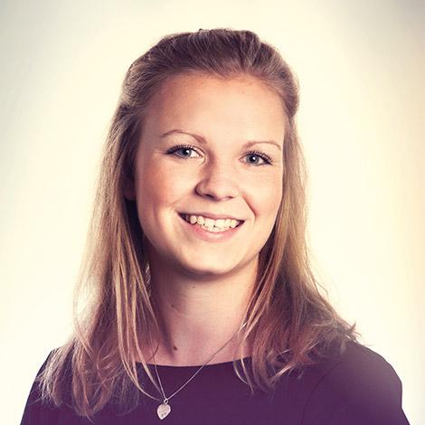 Lianne trabaja como asistente notarial en los departamentos de Derecho Corporativo y Sostenible de Olenz
